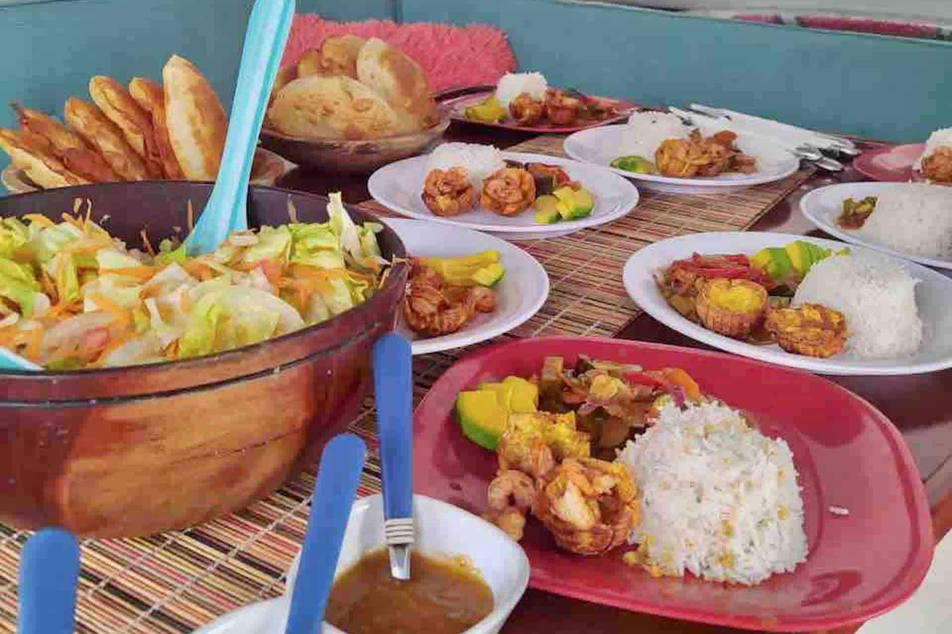 Panama Caribbean tour lunch