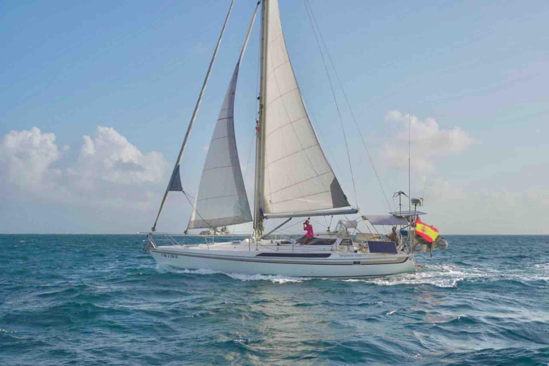 Dike San Blas sailing