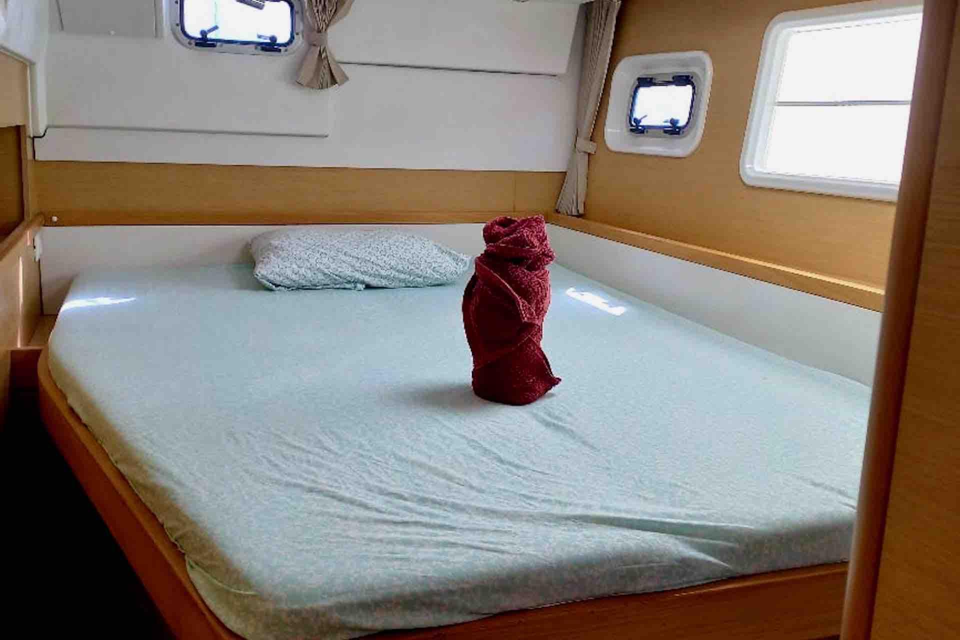 catamaran Bedroom 2