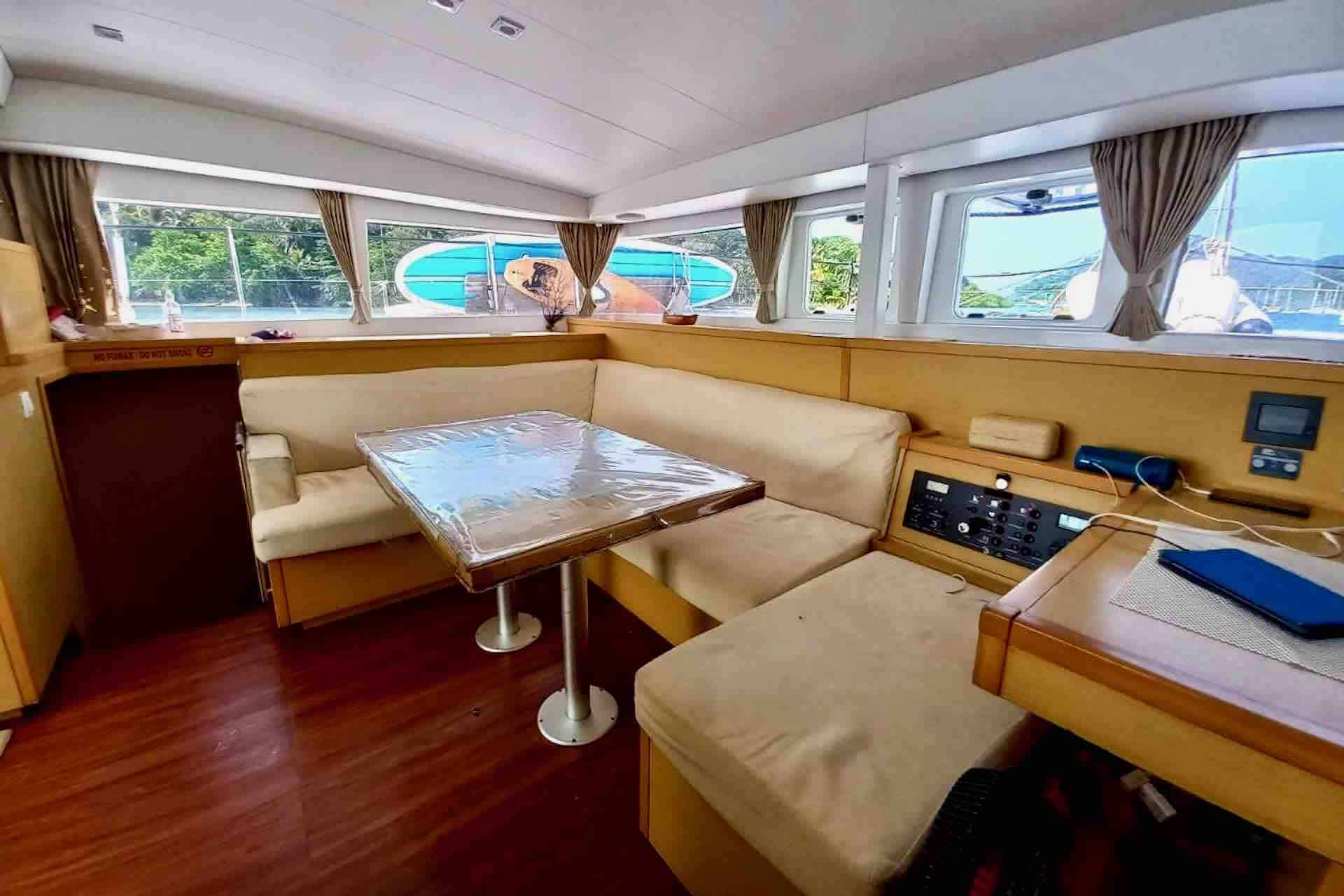 catamaran Saloon